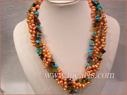 topdrill pearl necklace with crystal beads
