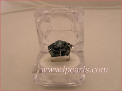 30mm black flower-design shell ring jewelry