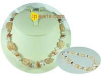 white side-dirlled cultured pearl necklace with saffron yellow