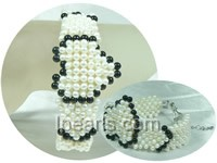 knitted heart shape black agate and white potato pearl bracelet