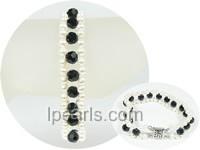 white freshwater pearl bracelet with crystal beads