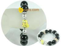charming 15mm and 18mm black carnelian bracelet