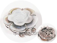 3.5cm 3 rows grey flower carved shell clasp