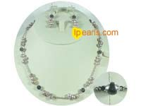 freshwater pearl neckalce with crystal beads set